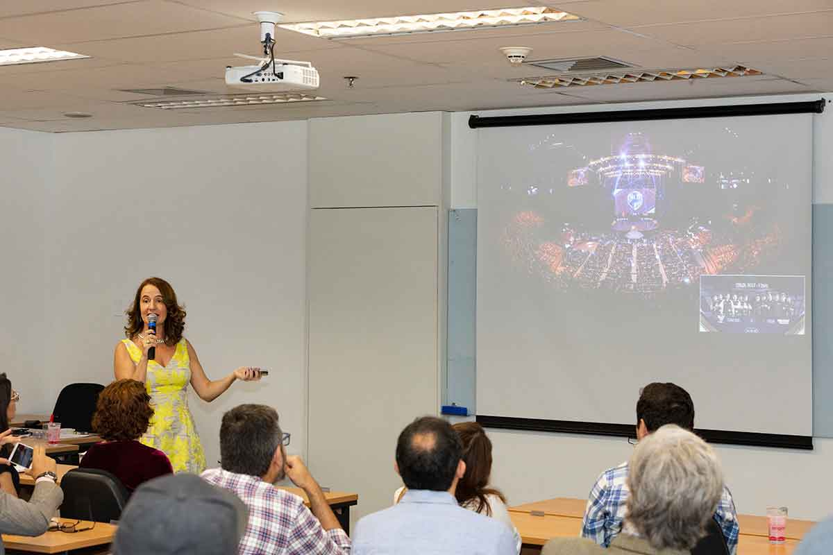 Fernanda Domingues - Curso de eSports FIA